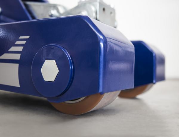 M16 (S), trainatore elettrico, trainatore con sollevamento, mezzi elettrici, carrelli elettrici, trattori elettrici, Zallys