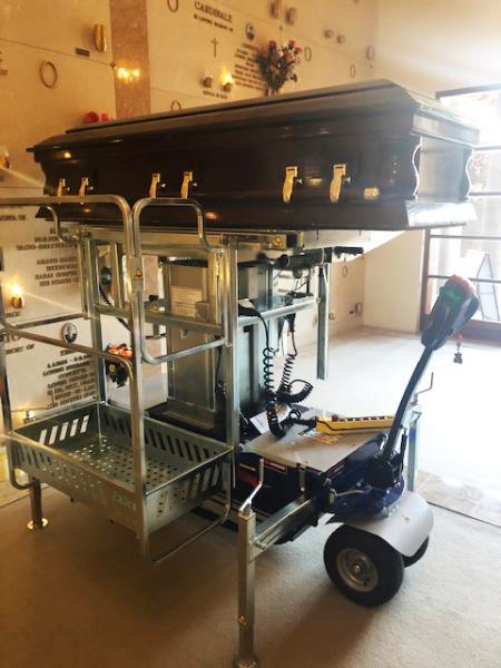 Zallys XT 510 coffin lifting machine