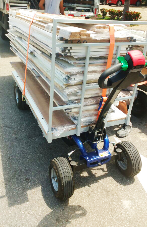 Zallys Jespi L electric trolley for transporting wooden panels in manufacturing companies