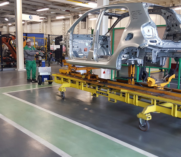 Zallys M12 battery powered vehicle for handling trolleys in automotive companies