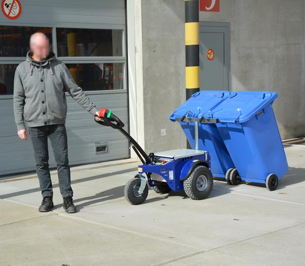 Zallys M4 electric tugger for moving waste bins
