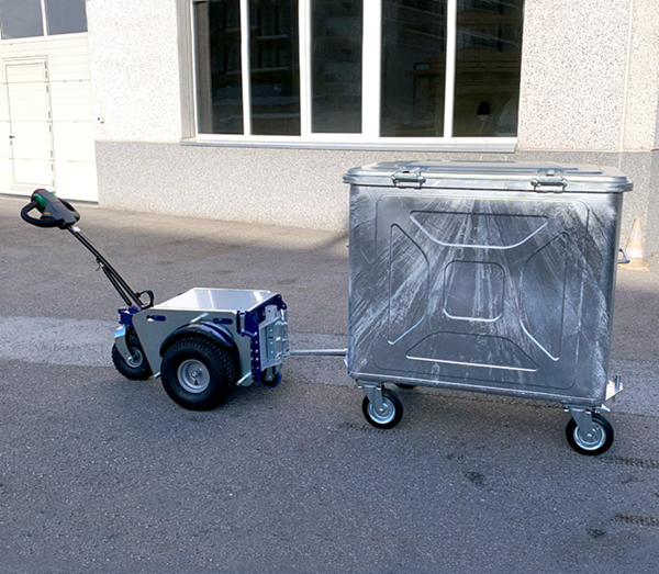 Zallys M4 electric tugger for moving wheelie bins