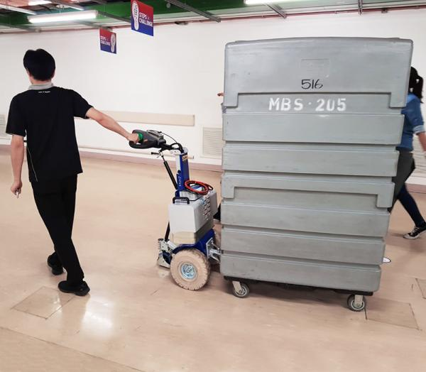 Zallys M12 battery tractor for dragging four wheel trolleys in airports