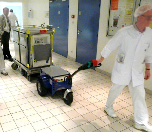 Zallys M4 electric tugger for pulling hospital carts