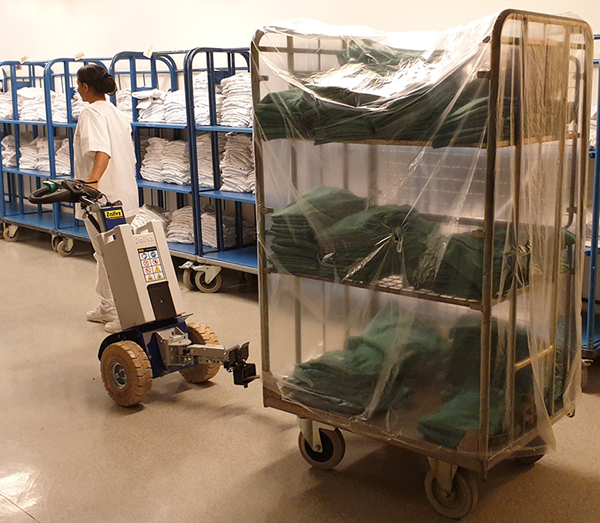 Towing device Zallys M12 E for handling trolleys in hospitals