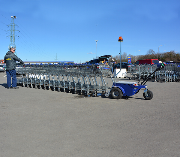 Zallys M9 electric tractor with remote control to move shopping trolleys in supermarkets