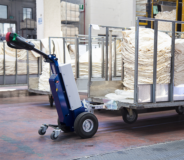 Zallys M1 cart mover to move trolleys in manufacturing companies