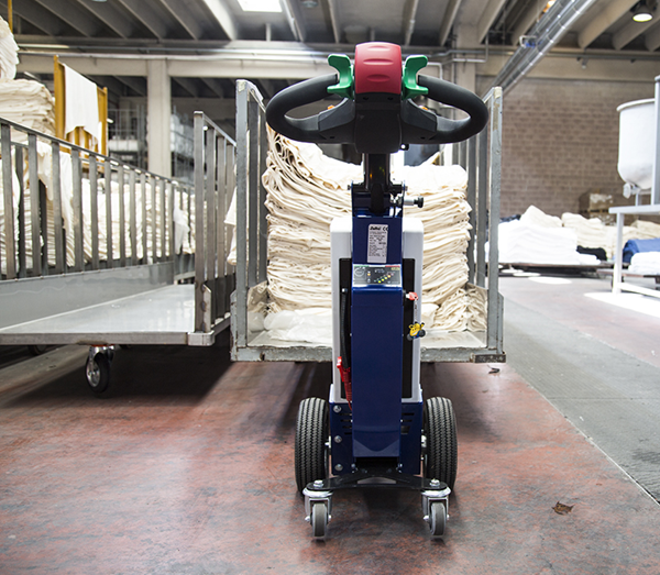 Zallys M1 cart mover for pulling fabrics in production plants