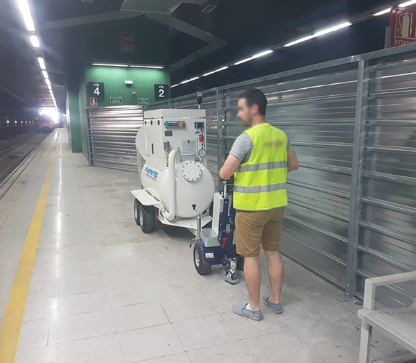 Zallys M12 electric driver which moves a sanitation system in a subway station